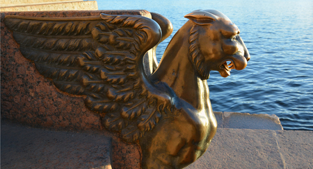 Sculpture of the Petersburg griffin on the embankment Imagens