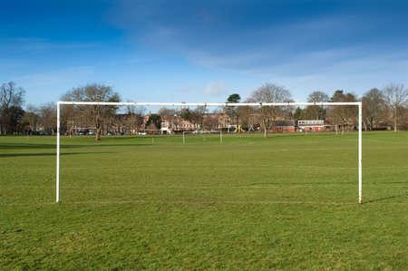 aficionado: Parque t�pico de cancha de f�tbol en Inglaterra  Foto de archivo