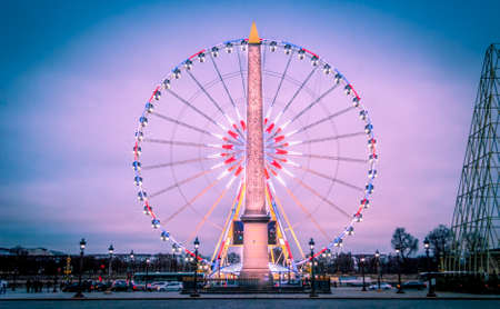 What a beautiful scene in Paris when in Concorde place the Obelisk is aligned with the wheel and allow tourist to have a nice journey in France