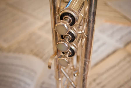 relies: Learn and play trumpet relies on digging inside the art of Jazz masters.