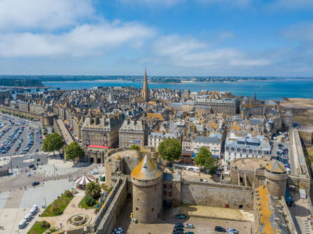 Aerial view of Saint-Malo city center Imagens