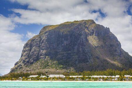 morne: Le Morne mountain on the south shore of Mauritius