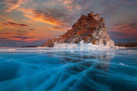 Shaman Rock or Cape Burhan on Olkhon in the winter. Lake Baikal, Siberia, Russia 免版税图像