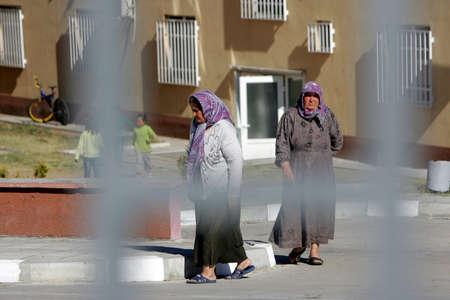 al assad: Pastrogor, Bulgaria, September 25, 2013 - Syrian refugees walk around at a detention center on September 25, 2013 in Pastrogor, Bulgaria