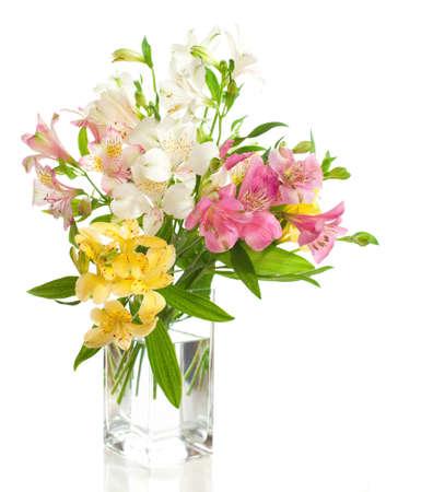 Csokor Alstroemeria virágok elszigetelt fehér háttér Stock fotó