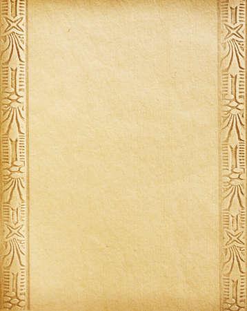 worn paper: Antiguo papel usado con el ornamento.