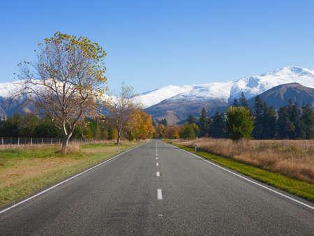 canterbury: Route droite dans la r�gion de Canterbury, Nouvelle-Z�lande
