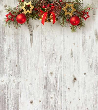 グランジの古い木製のボード上のクリスマスの装飾 写真素材