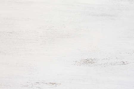 madera rústica: Vieja tarjeta de madera pintada de blanco.