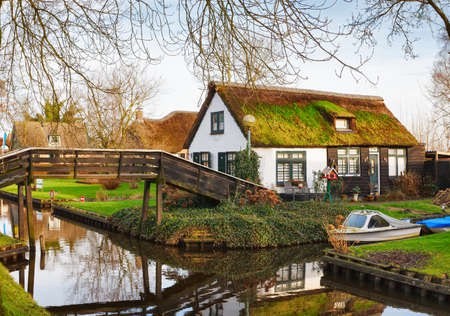 Typical view on Canal,  Giethoorn, Netherlands. Imagens