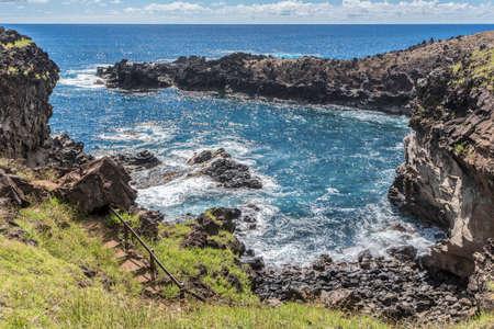 Ana Kai Tangata cave bay