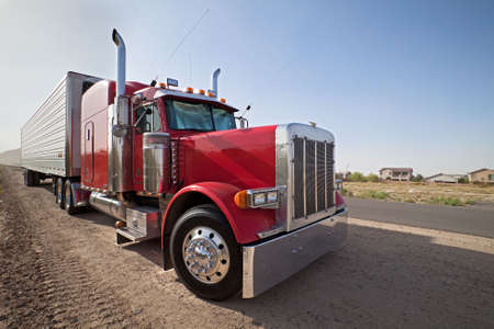 truck and trailer: Truck