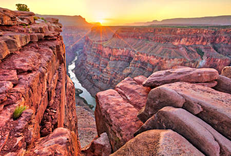 Sunrise at Toroweap in Grand Canyon National Park. 스톡 콘텐츠
