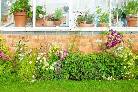 flower pots: Tranquil garden landscape