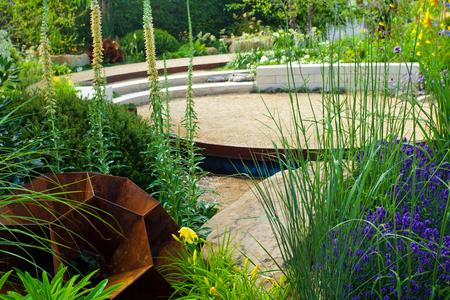 relax garden: Tranquil garden landscape