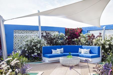 jardines con flores: Tranquilo paisaje del jard�n