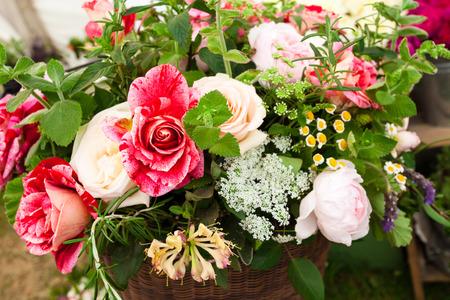 Beautiful roses lylies boquet background Standard-Bild