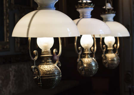 home accents: Vintage lamps