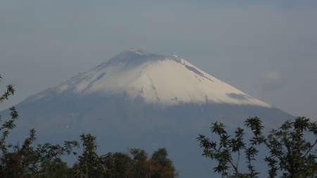 el popocatepetl o don goyo volcan activo
