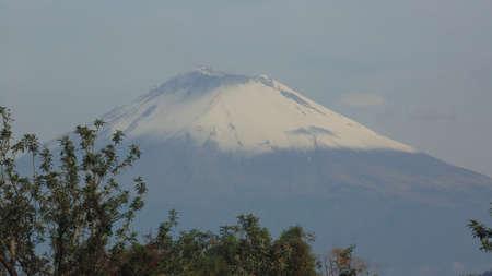 un guerrero coloso sin duda volcan popocatepetl