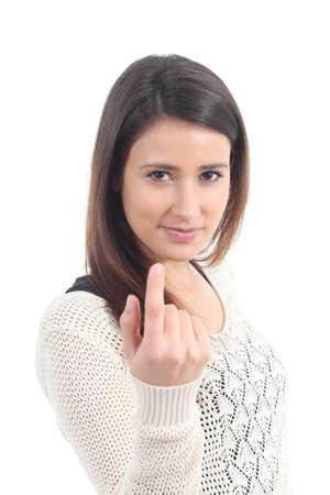 Portret van een mooie vrouw die een wenkend gebaar op een witte achtergrond geà ¯ soleerd