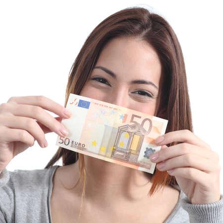 show bill: Mujer mostrando un billete de ? 50 sobre un fondo blanco aislado