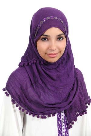 흰색 배경에 고립 된 아름 다운 이슬람 여자의 초상화 스톡 콘텐츠