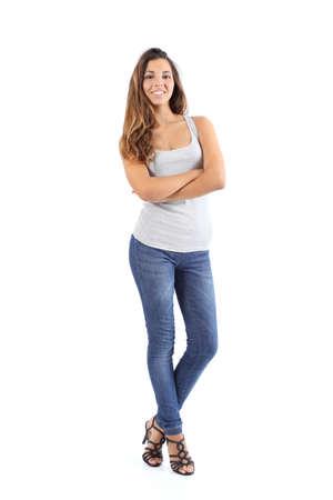 아름다운 모델 여자가 서있는 흰색 배경에 격리 된 서