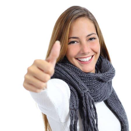 smiley pouce: Belle envelopp� femme heureuse en hiver isol� sur un fond blanc Banque d'images