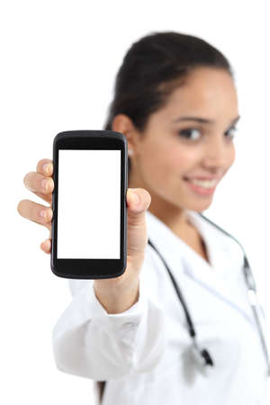 Beautiful female doctor showing a smart phone screen 版權商用圖片