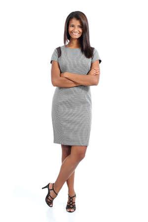Elegant African American vrouw poseren geïsoleerd op een witte achtergrond