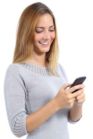 ger�te: Beauty Frau mit und liest ein Smartphone isoliert auf wei�em Hintergrund