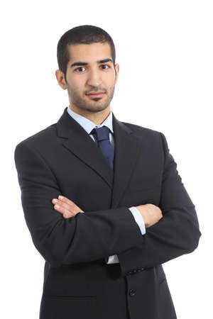 アラブ ビジネス自信を持って男の腕を組んで、白い背景で隔離のポーズ