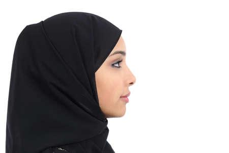 完璧な肌、白い背景で隔離では、サウジアラビアのアラブの女性の顔のプロフィール
