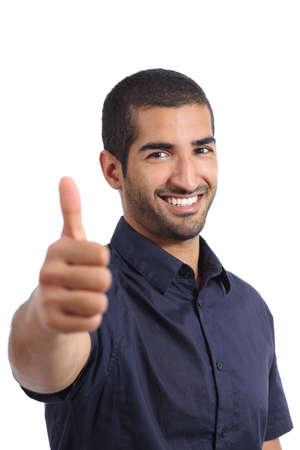 흰 배경에 고립 된 긍정적 인 아랍 남자 몸짓 엄지 손가락 스톡 콘텐츠