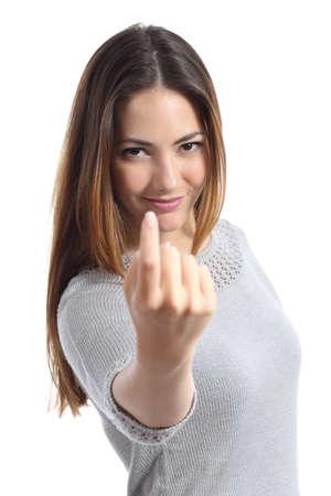 Vrouw gebaren hier komt u belt geïsoleerd op een witte achtergrond