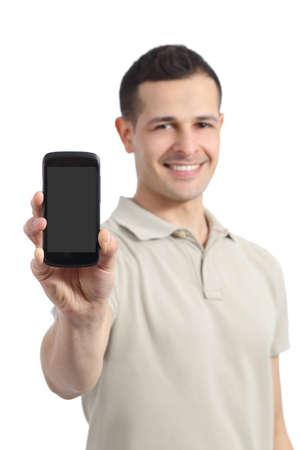Schöner Mann zeigt eine leere Smartphone-Display auf einem weißen Hintergrund
