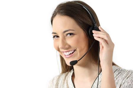 Portret van een telemarketing operator die u op een witte achtergrond bekijkt
