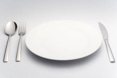 cuchillo y tenedor: plato, cuchillo, tenedor a cabo Foto de archivo