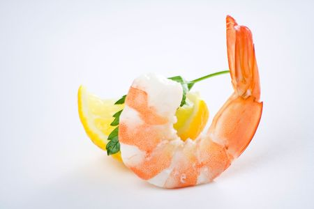 delicious fresh cooked shrimp prepared to eat