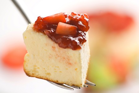 cheesecake with fresh strawberries and blackberry jam isolated over white Stock Photo - 4209104