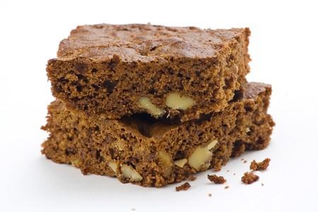 brownie: brownie de chocolate caliente con nueces y vainilla aislado