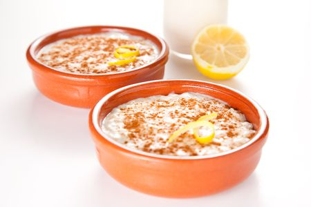 pudin: Bud�n de arroz de canela sabroso postre lim�n y naranja