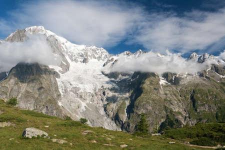 courmayeur: Macizo del Mont Blanc de Mont Chetif, Courmayeur, Italia.