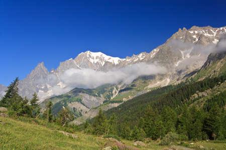 courmayeur: Ferret del Valle y del Mont Blanc, Courmayeur, Italia.
