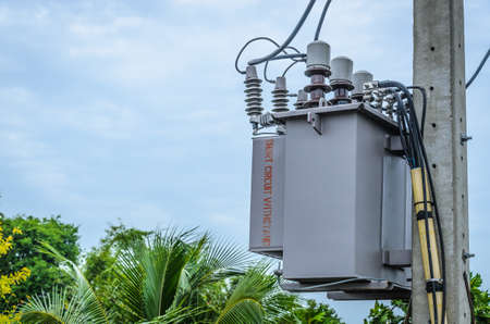 """pole mounted corrugated fin oil immersed transformer with """"short circuit withstand"""""""