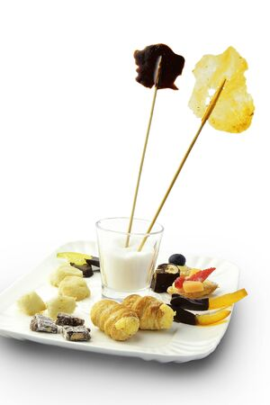 crunchy: Dessert Tray with Small Pastry Assortiment Cookies Crunchy Candied Cannoli