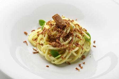 Pastagerecht Spaghetti zure room en kuit