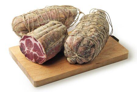 サラミ空気硬化豚肉肉コッパとまな板 写真素材 - 54197946