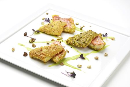 redfish: Dish fish Fillets of red mullet in hazelnut crust peanuts and pistachios